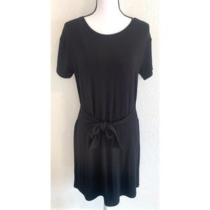BB Dakota black front tie dress size medium size M